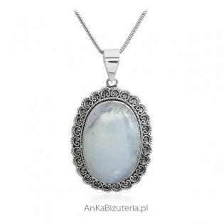 Śliczna stylowa zawieszka srebrna z kamieniem księżycowym
