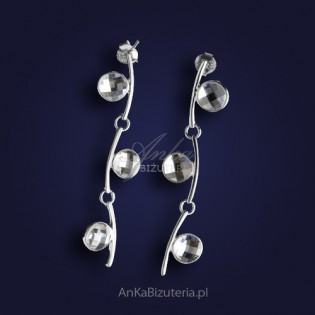 """Oryginalne srebrne kolczyki z cyrkoniami jak """"Kwiat konwalii"""""""