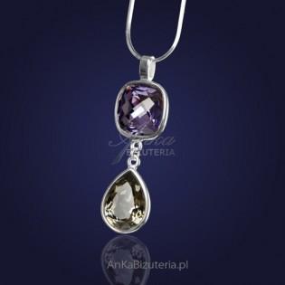 Wisior na łańcuszku z kryształami Swarovski-fioletowym i szarym.