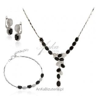 Elegancka biżuteria na prezent - srebro z onyksami i cyrkoniami