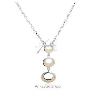 Naszyjnik srebrny z białym opalem