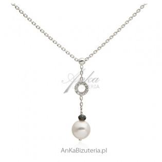 Srebrny naszyjnik z białą perełką