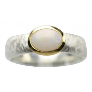 Piękny pierścionek srebrny z białym naturalnym opalem