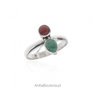 Pierścionek srebrny z zielonym turkusem i czerwonym koralem