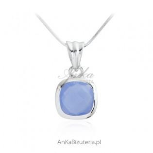 Zawieszka srebrna z niebieskim chalcedonem - piękna delikatna biżuteria
