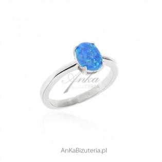 Pierścionek srebrny z niebieskim opalem OWALNY