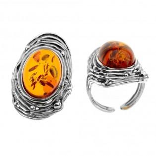 Duży pierścionek srebrny z bursztynem - regulowany