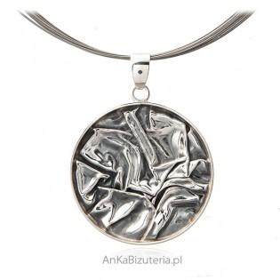 Srebrna zawieszka oksydowana - MARSZCZONA - okrągła - biżuteria autorska