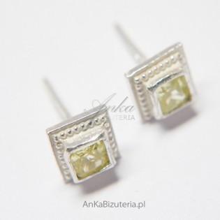 Kolczyki srebrne z zieloną cyrkonią