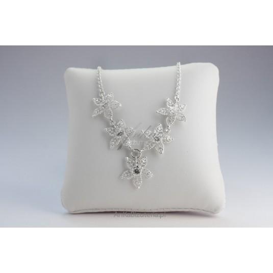 Srebrna biżuteria: Łańcuszek srebrny KWIATKI z cyrkonią