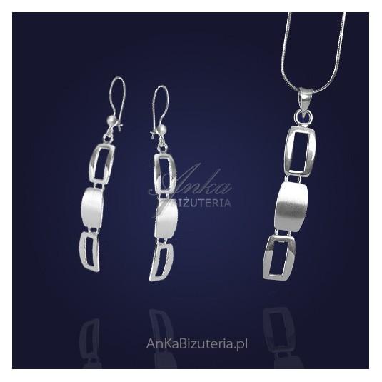 Srebrny komplet kolczyki i zawieszka wiszące prostokąty.