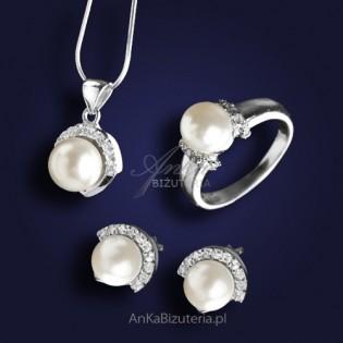Przepiękny srebrny komplet biżuterii z perłami. ATRAKCYJNA PROMOCJA!