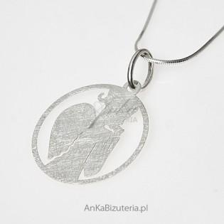 Anielica z różą - wisior srebrny - subtelna biżuteria