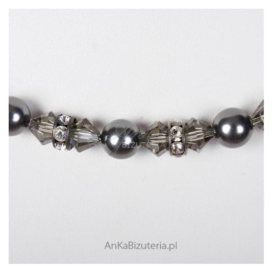Srebrny naszyjnik z kryształami Swarovskiego i perłami SPARK.