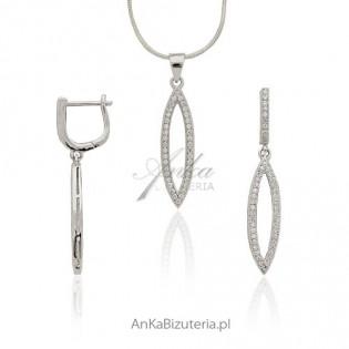 Komplet srebrny z cyrkoniami osadzanymi jak diamenty metoda micro setting