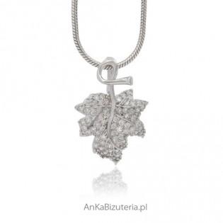 Piekna subtelna biżuteria - wisiorek w kształcie listka -srebrny, microseting